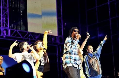snoop dogg 2ne1