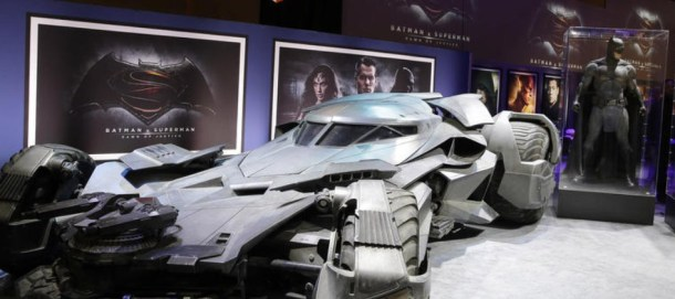 batmanvsupermanbatmobile